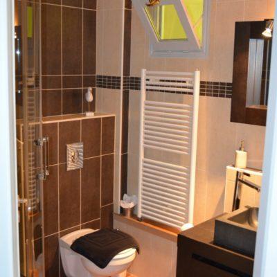 Une jolie petite salle de bain